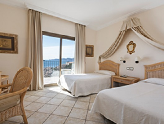 Superior Triple Room with Sea View for 3 adults